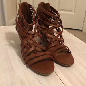 Candie's Strappy Wedges NWOT